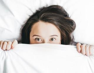Penelitian: Kurang Tidur Dapat Membuat Anda Dehidrasi
