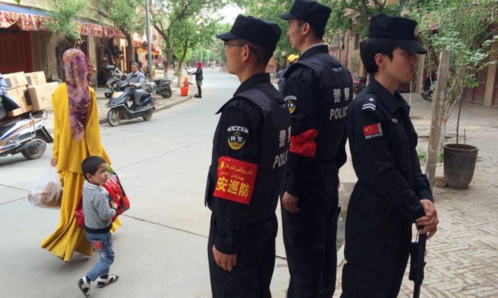 Etnis Uighur yang tinggal di Xinjiang, Tiongkok. (Foto: AFP)