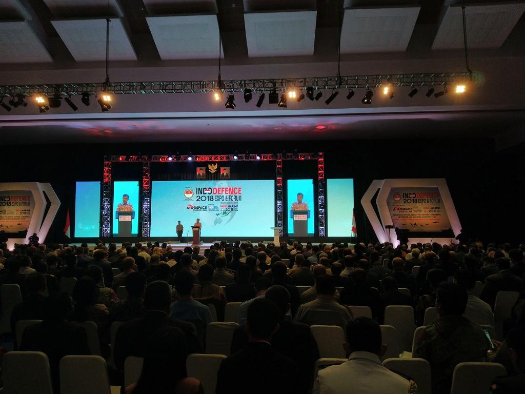 Wakil Presiden Jusuf Kalla membuka pameran pertahanan Indo Defence 2018 Expo and Forum - Medcom.id/Dheri Agriesta.
