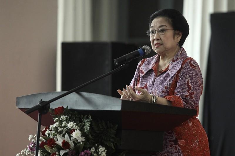 Presiden kelima RI Megawati Soekarnoputri memberikan sambutan pada acara peluncuran Buku Seri Historia, di Museum Nasional, Jakarta, Kamis (30/11/2017). Foto: Antara/Muhammad Adimaja