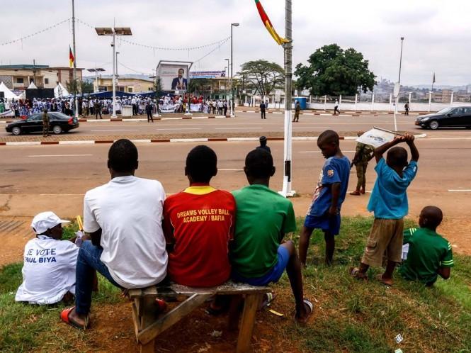 Warga Kamerun hidup dalam perang antara militer dan separatis. (Foto: AFP).