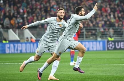 Kebin Manolas, (kanan) melakukan selebrasi gol (Foto: Twitter.com/UEFAChampionsLeague)