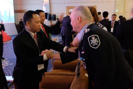Kapolri Jenderal Tito Karnavian (kiri) di The 4th Annual Counter-Terrorism Financing (CTF) Summit 2018 di Royal Orchid Sheraton Hotel, Bangkok. Foto: Istimewa