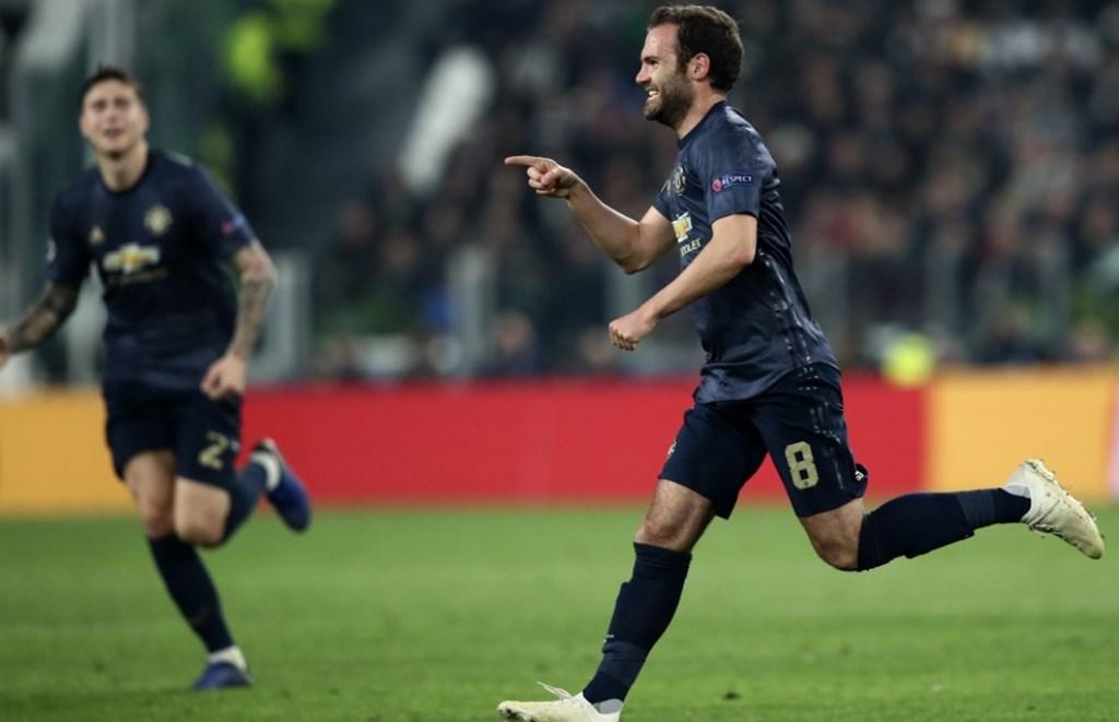Selebrasi gol Juan Mata (kanan) (Foto: UEFA)