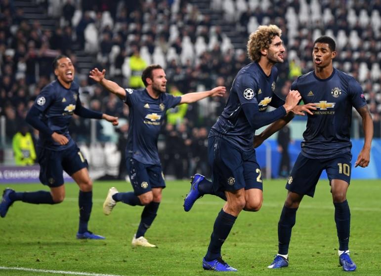 Para pemain Man United melakukan selebrasi usai menang atas Juventus (Foto: UEFA)