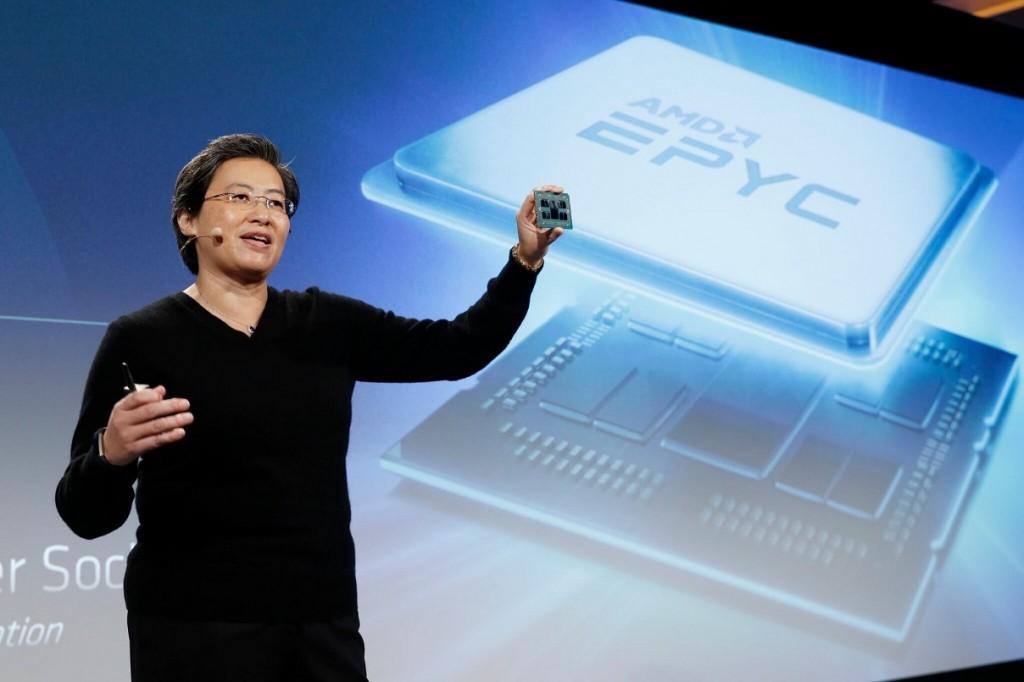 CEO AMD Lisa Su memperkenalkan prosesor AMD EPYC berbasis fabrikasi 7nm arsitektur Zen 2.
