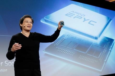 CEO AMD Lisa Su memperkenalkan prosesor AMD EPYC berbasis
