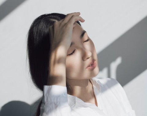 Bahu, leher dan rahang yang sangat ketat dapat memicu sakit