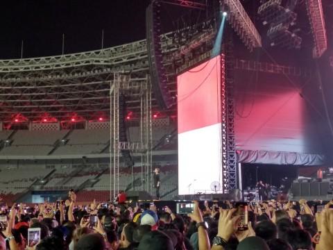 Kikan Kumandangkan Indonesia Raya di Konser Guns N' Roses