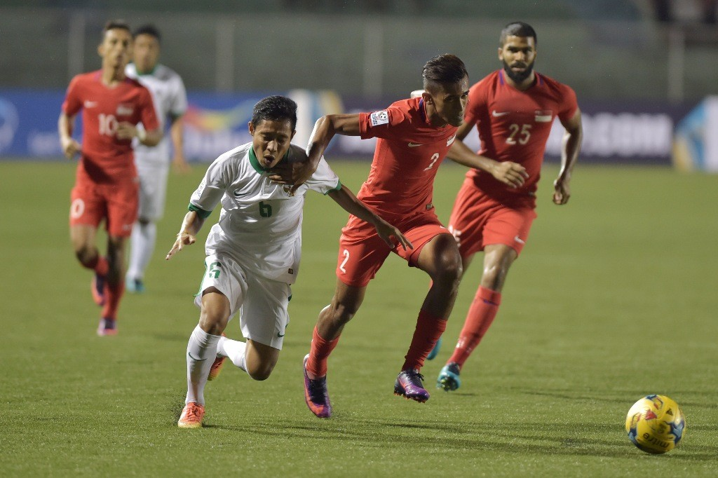 Pertandingan Indonesia vs Singapura di Piala AFF 2016. (Foto: Antara/Wahyu Putro A)