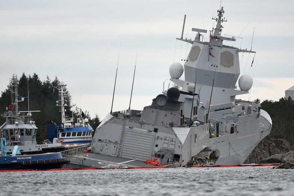 Tabrakan dengan Tanker, Fregat Norwegia Nyaris Tenggelam