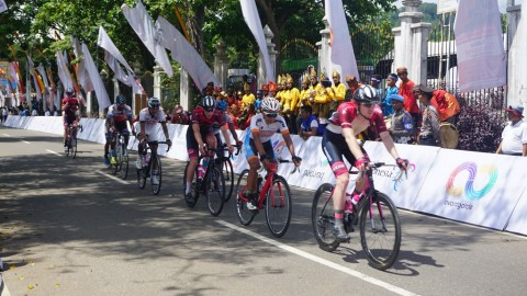 Suasana balapan Tour de Singkarak 2018. (Foto: Medcom.id/Zam)