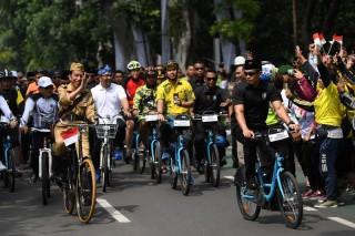 Presiden Jokowi Sempat Grogi saat Bersepeda di Bandung