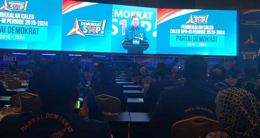 Ketum Demokrat SBY berbicara di hadapan caleg/Medcom.id/Kautsar Widya Prabowo
