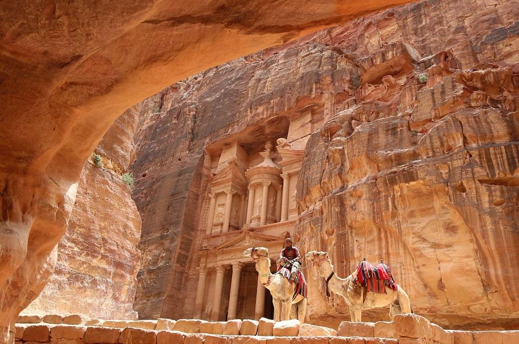 Kota Petra, salah satu Situs Warisan Budaya Dunia UNESCO. (Foto: AFP/KHALIL MAZRAAWI)