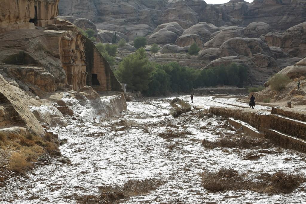 Hujan Lebat dan Banjir Tewaskan 11 Orang di Yordania
