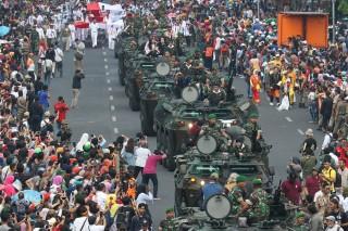 Ribuan Peserta Ikuti Parade Surabaya Juang