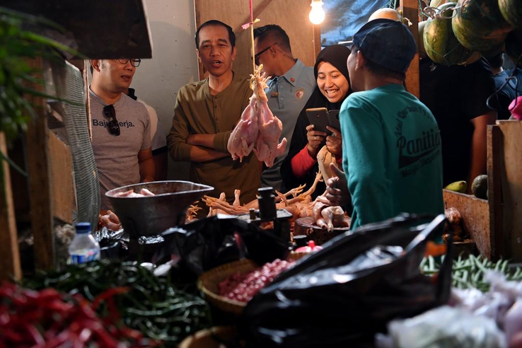Jokowi Blusukan ke Pasar Cihaurgeulis Bandung