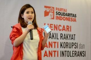 PSI: Politik Genderuwo Itu Kuno