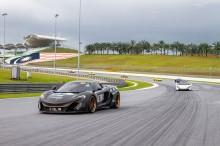 Komunitas McLaren Tiga Negara 'Kebut-Kebutan' di Sepang
