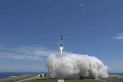 Rocket Lab Sukses Luncurkan Roket Electron