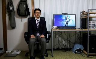 Trauma, Pria Jepang Nikahi Gadis Virtual