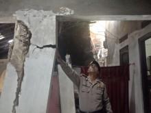 Tiga Rumah di Cirebon Ambruk Akibat Pergeseran Tanah