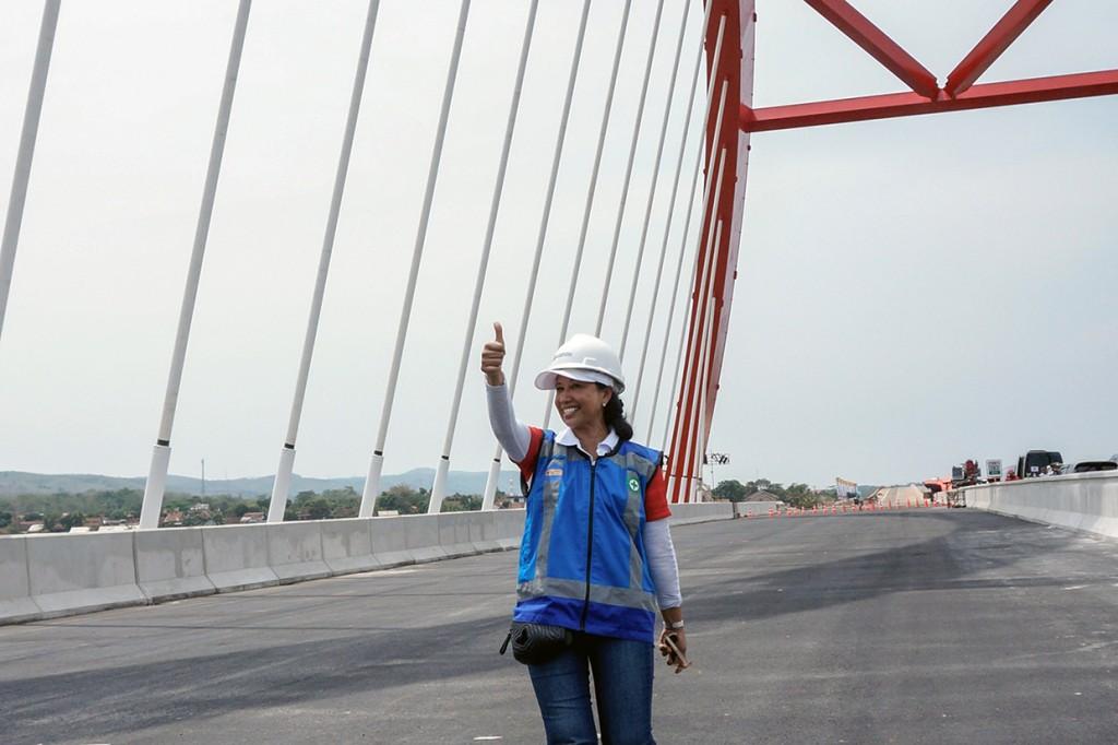 Menteri Rini Jajal Tol Trans Jawa