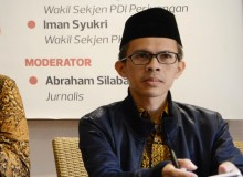 Perang Gimik Dinilai Turunkan Kualitas Demokrasi