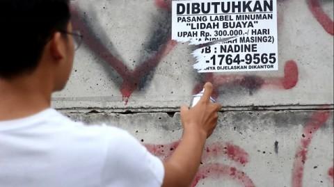 Beken, salah seorang anggota kelompok vandalisme sedang