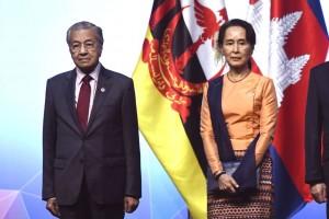 Mahathir Minta Myanmar Beri Status Warga Negara Rohingya