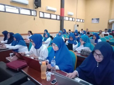 Literasi Matematika Rendah, Pelatihan Guru Perlu Dievaluasi
