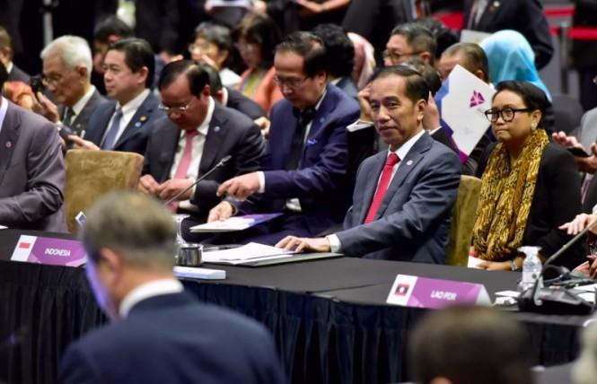 Presiden Joko Widodo mengikuti rangkaian pertemuan KTT ASEAN di Singapura, Rabu 14 November 2018. (Foto: Biro Pers Setpres).