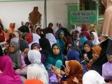 Ratusan Warga Ikut Tahlil di Makam Mbah Ma'shoem
