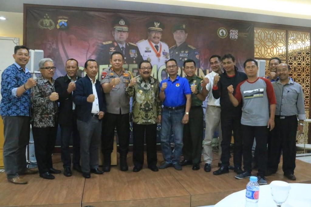 Forkopimda Jatim saat menghadiri acada Coffe Morning Forkopimda bersama Asosiasi Pengusaha Indonesia (Apindo) dan Serikat Pekerja se-Jatim di Mapolda Jatim, Kamis, 15 November 2018. (Medcom.id/Amal).