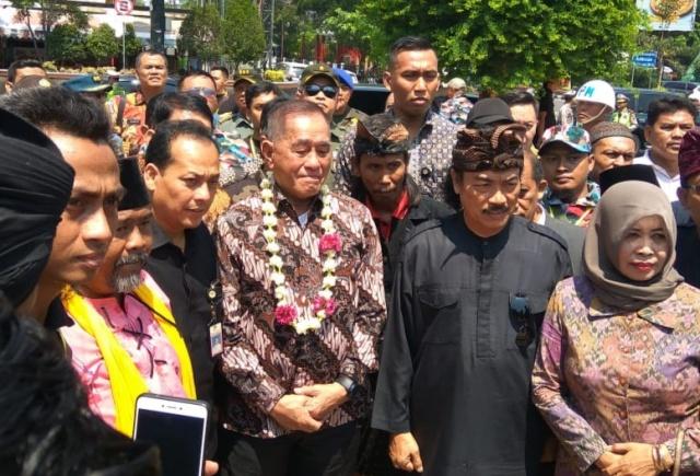 Menhan Ryamizard meresmikan program bela negara PGN Jateng/Medcom.id/Budhi Arista