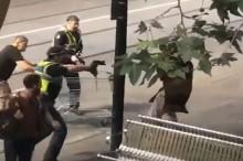 Selamatkan Dua Polisi, Gelandangan Melbourne Didakwa