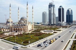 Wanita Ledakkan Diri Dekat Pos Polisi Chechnya