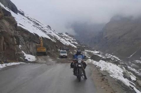 Gunadi, Touring ke Himalaya atas Nama Indonesia