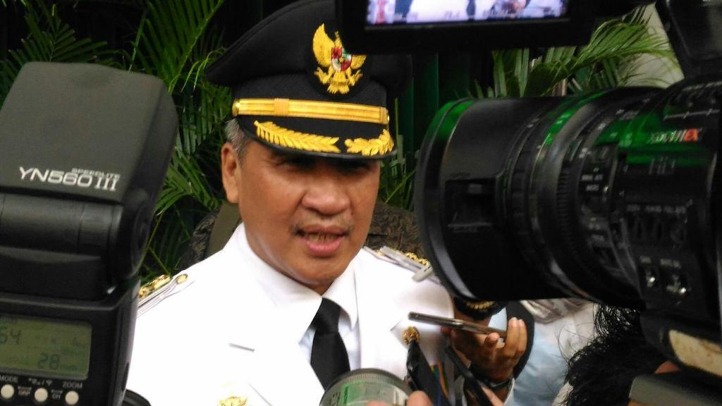 Penjabat Bupati Cirebon Dicky Saromi usai pelantikan di Gedung Sate, Jalan Diponegoro, Kota Bandung, Senin 19 November 2018. Medcom.id/ Roni Kurniawan.