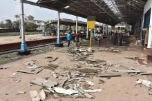 Topan Gaja Hantam India, 45 Orang Tewas