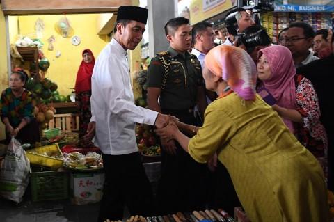 Jokowi Blusukan ke Pasar Sidoarjo
