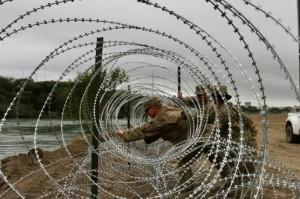 Kawat Berduri 'Donald Trump' di Perbatasan AS dan Meksiko