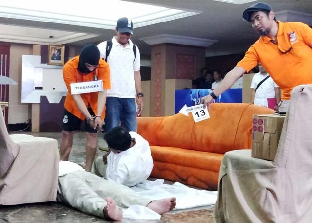 Pelaku Bantai Keluarga di Bekasi karena Disebut Sampah
