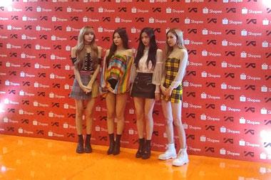 (kiri-kanan) Lisa, Jennie, Jisoo, dan Rose. (Foto: