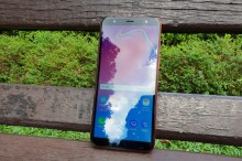 Samsung Galaxy J6+ 2018, Cukup Menawan
