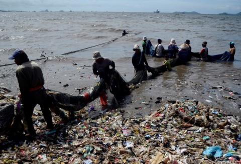 Sampah Plastik di Laut Tanggung Jawab Semua Pihak