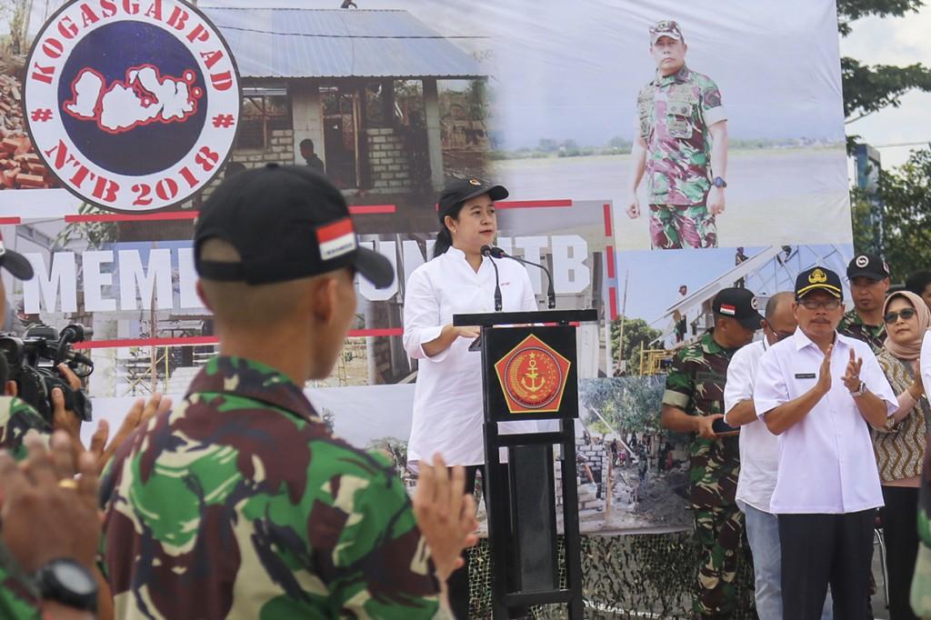 Menko Puan Apresiasi TNI-Polri yang Tangani Korban Gempa Lombok