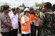 Menko PMK Tinjau Proses Produksi Rumah Tahan Gempa