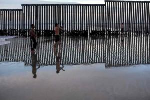 Menhan AS Kerahkan Pasukan di Perbatasan Meksiko